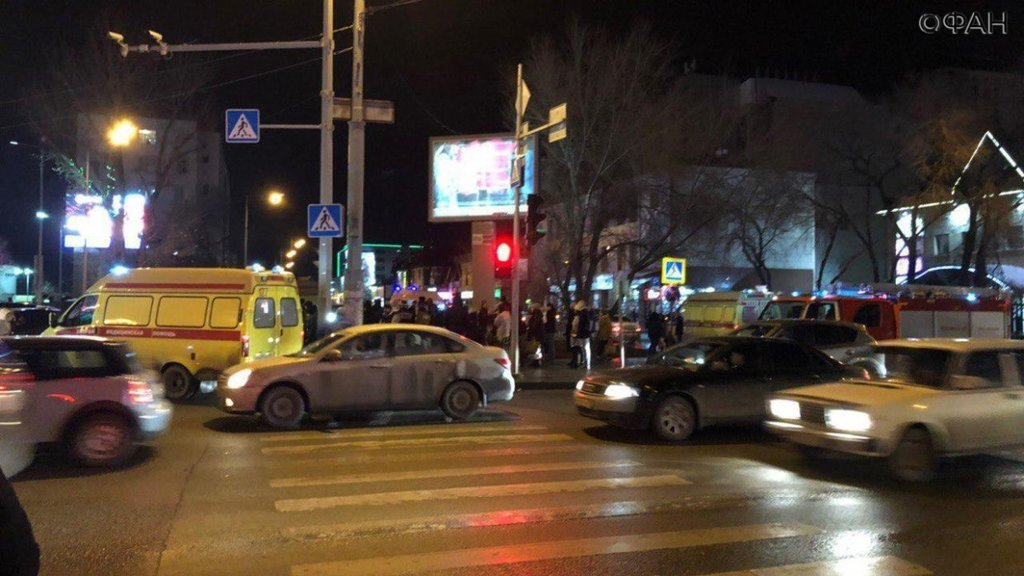 Резонансное ДТП в России: девушка не вписалась в поворот и сбила пешеходов, много раненых - фото