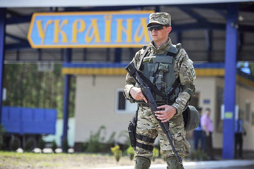 Резонансное ЧП с пограничниками в Мариуполе: офицеров сильно покалечили при нападении за украинский язык