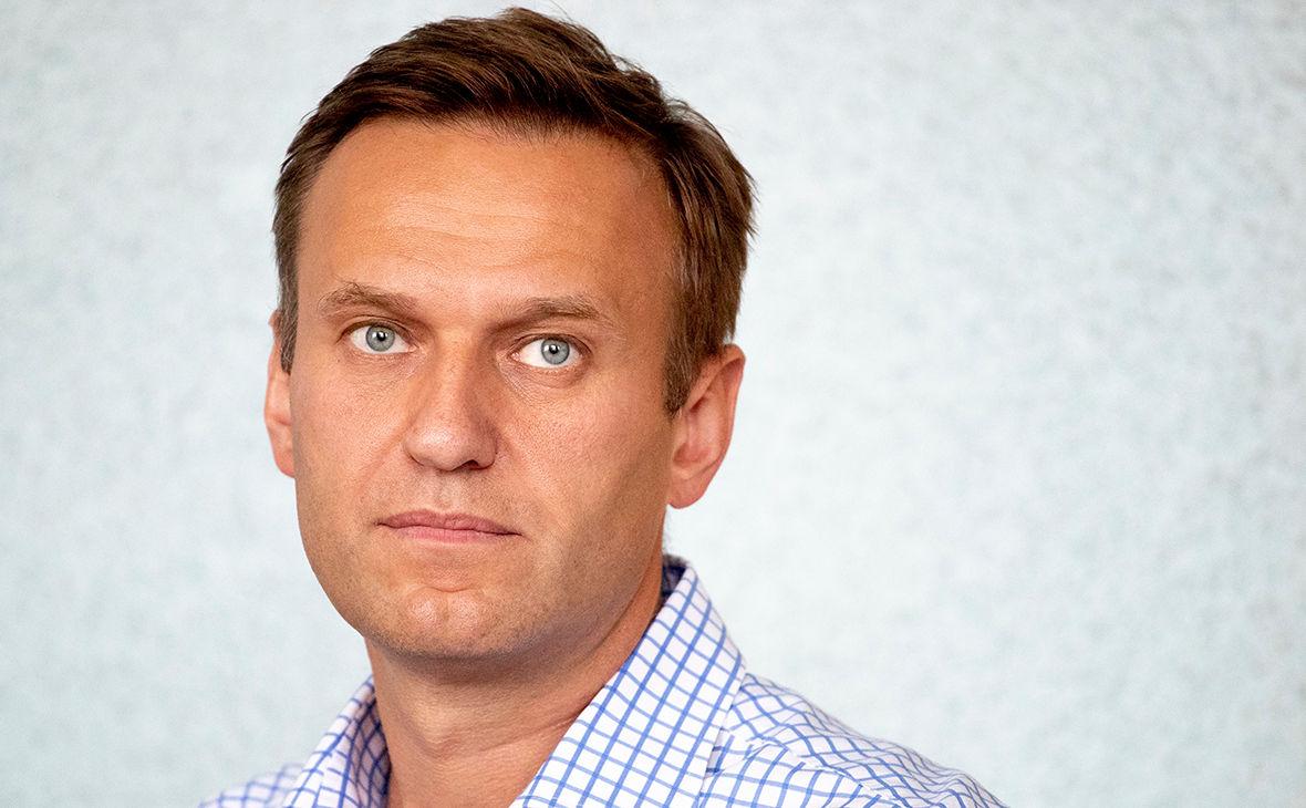 Суд по Навальному: оппозиционера хотят осудить на 3,5 года, а он просит рецепт засолки огурцов