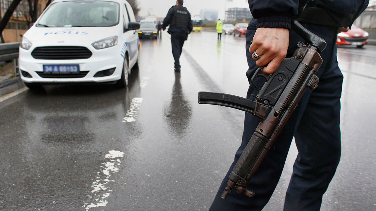 Шпионский скандал в Турции: задержаны 6 человек с паспортами РФ  - охотились за секретными данными
