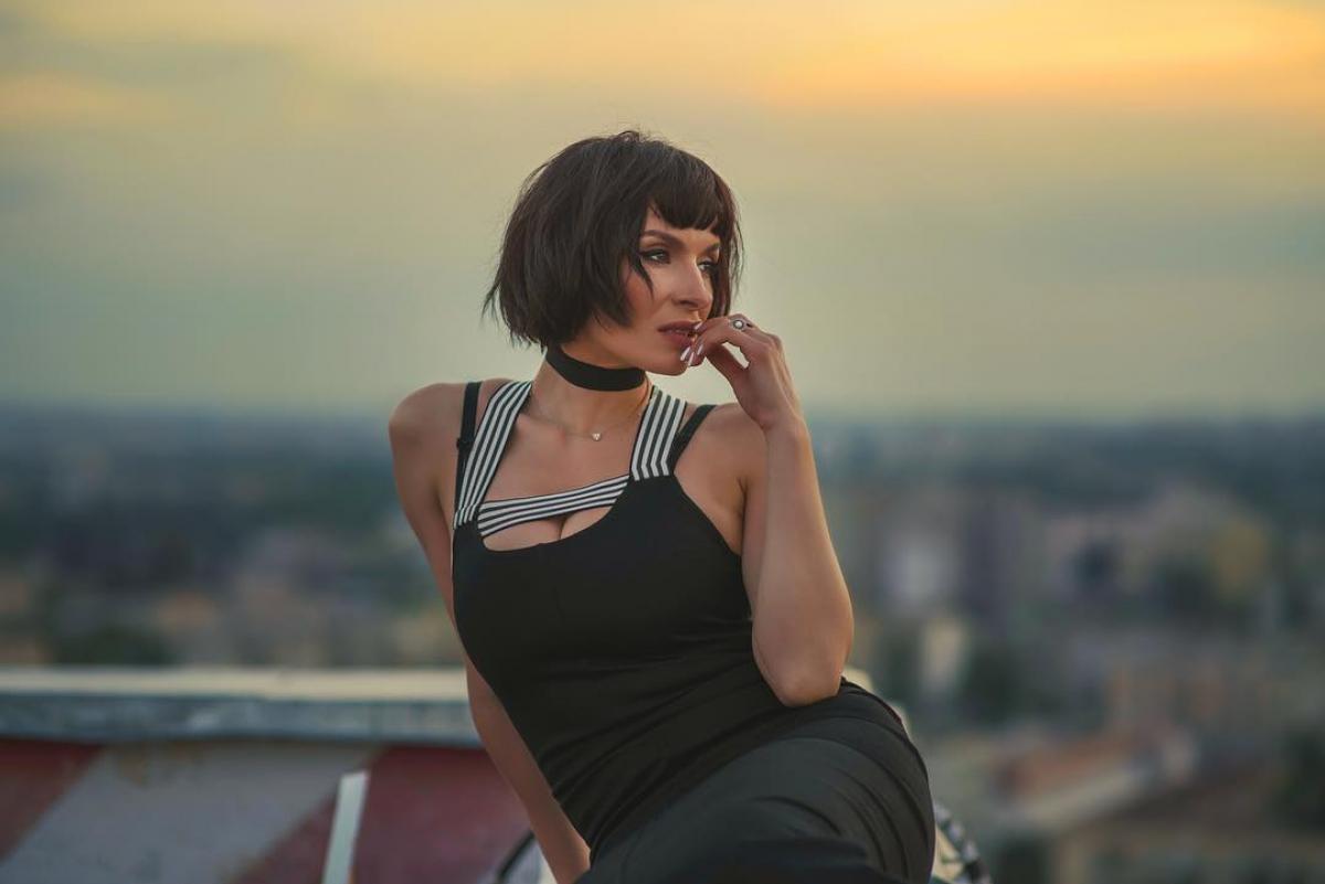 Украинская секс-бомба Надя Мейхер уделала Волочкову впечатляющим шпагатом на шоу