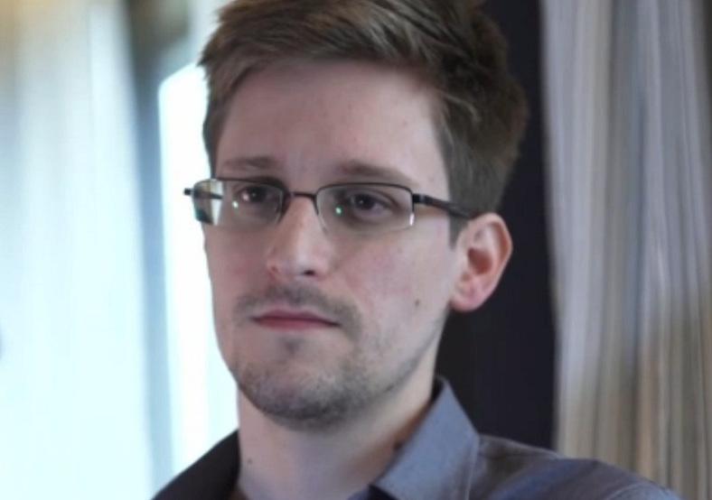 """""""Тоталитаризм"""" и """"невежество"""" - Сноуден похвалил Дурова за мощный отпор Кремлю в блокировке Telegram"""