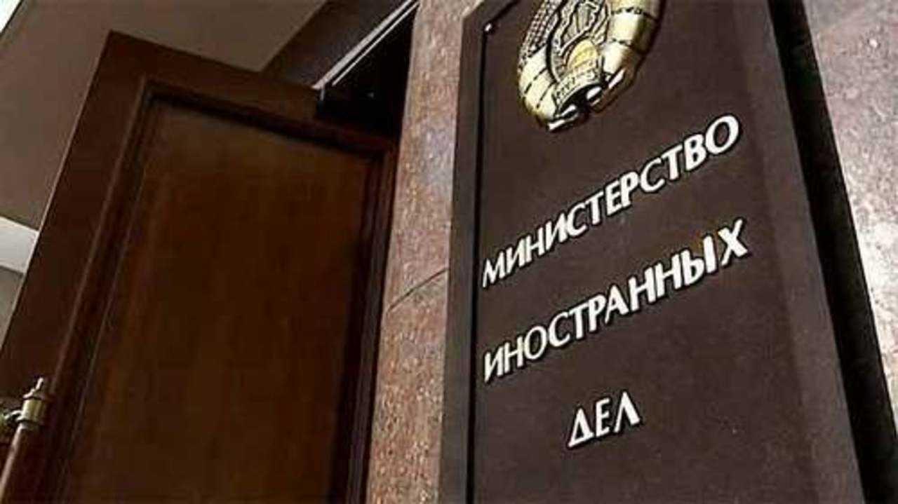 У Лукашенко отреагировали на действия России и военное положение в Украине