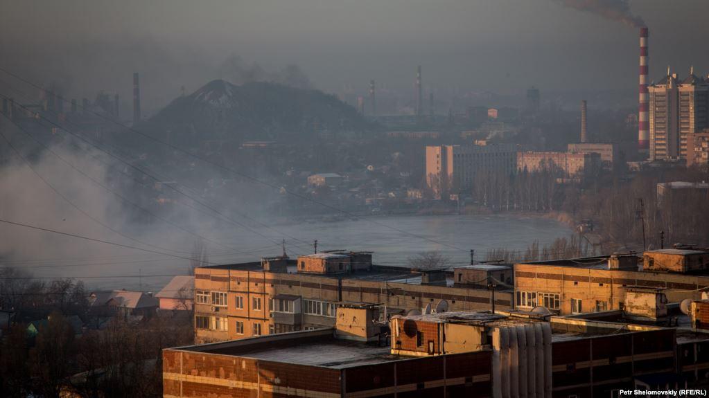 """От Донецка может ничего не остаться: эксперт объяснил, к чему приведет массовое закрытие шахт боевиками """"ДНР"""""""