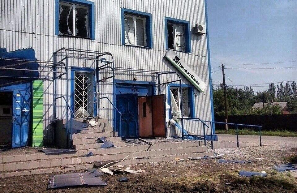 После активных боев в Дебальцево возвращаются жители