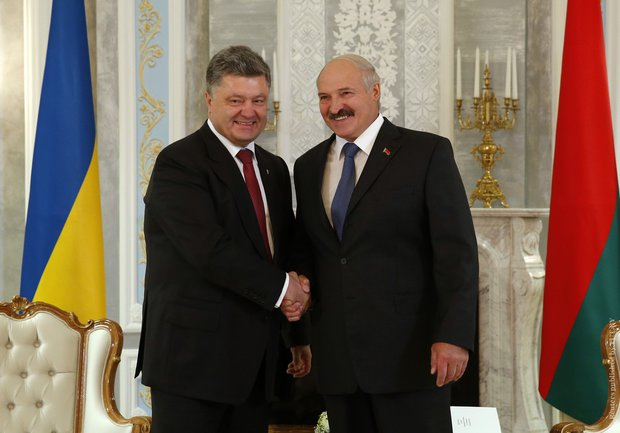 Лукашенко: Если бы не воля Порошенко, встреча в Минске не состоялась бы
