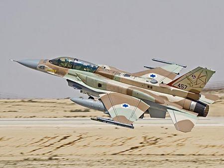 Израиль начал боевые действия против армии Асада: истребители ЦАХАЛа уничтожили позиции сирийской армии - официально