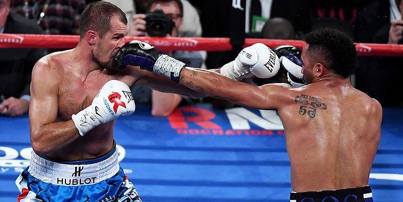 Самый сильный боксер России с треском проиграл в США: американец Уорд жестко отправил Ковалева в нокаут на восьмом раунде боя