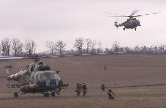 Оккупанту не поздоровится: в Сети показали мощное видео учений украинских десантников-воинов АТО