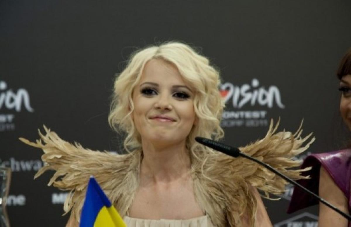 Пропавшая на 9 лет певица Мика Ньютон вышла в свет и заявила о тяжелой болезни