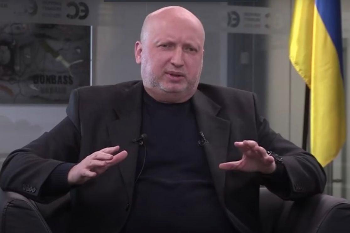 """Турчинов: """"Военные не атаковали ДАП, потому что Ахметов мог выставить счет"""""""