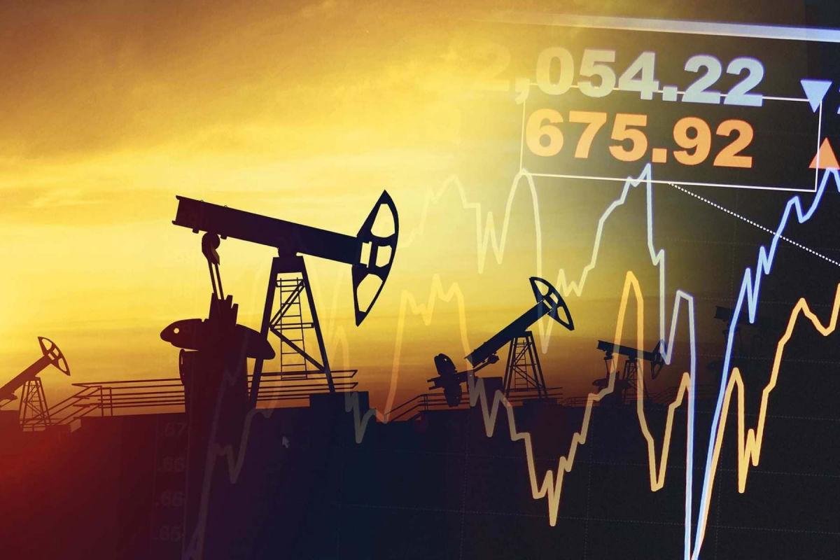 Российские компании вслед за мировыми повышают цены на нефть на фоне нового урагана в США