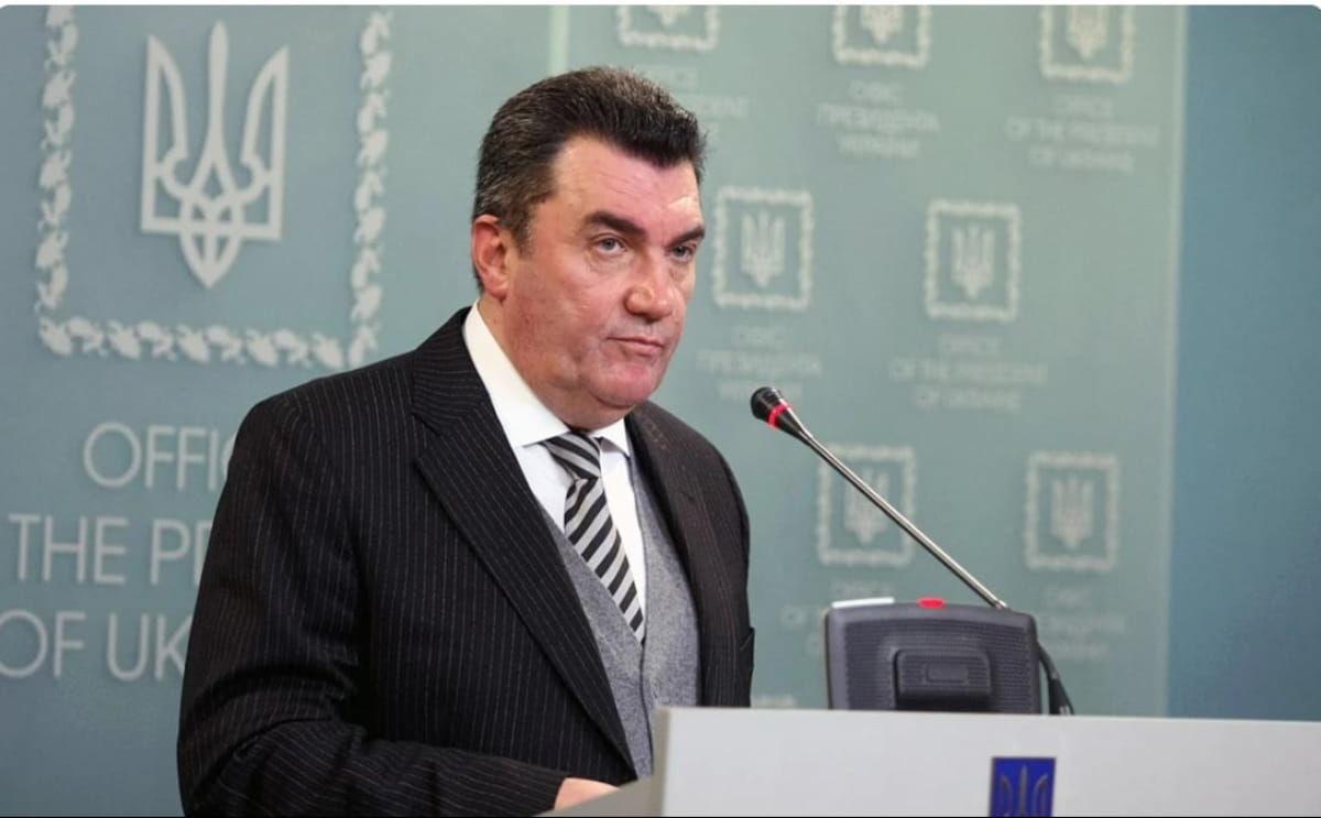 Повышение тарифов, санкции и стратегия внешней политики – Данилов озвучил итоги заседания СНБО на Донбассе