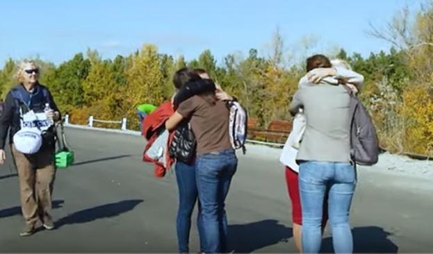 война на донбассе, станица луганская, видео, актисты, луганск, донецк, донбасс, новости украины