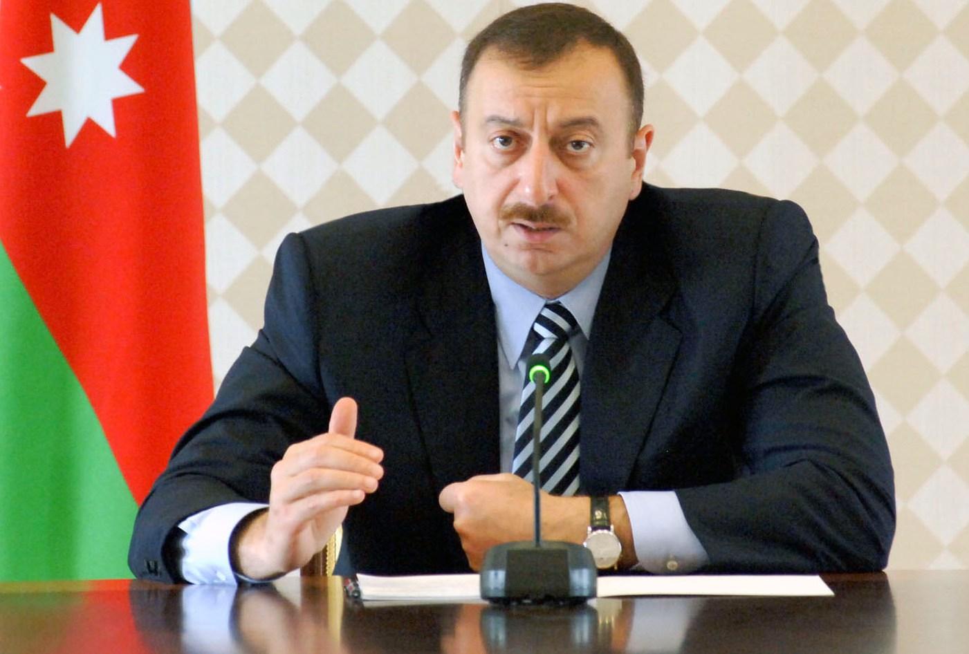 Напряжение растет: Азербайджан отзывает своих консулов из России