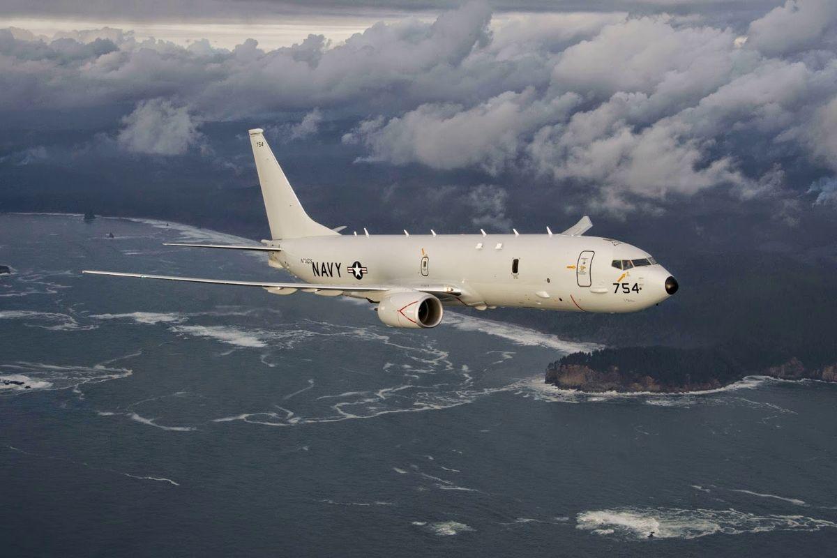 Сразу три самолета-разведчика США приблизились к Крыму - каждое движение войск РФ отслеживается