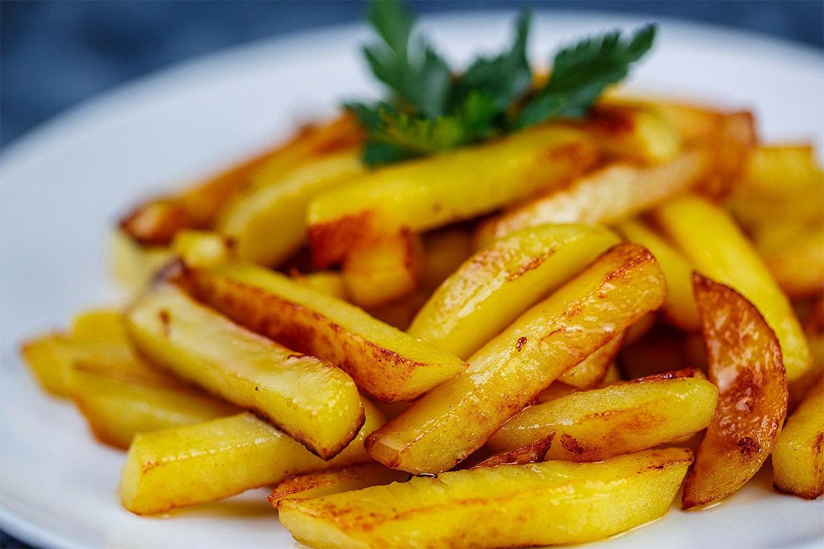 Лайфхак, как правильно жарить картошку, чтобы блюдо приобрело восхитительный вкус