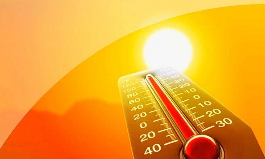 Украину накрыла сильная жара: синоптик назвала дату начала похолодания