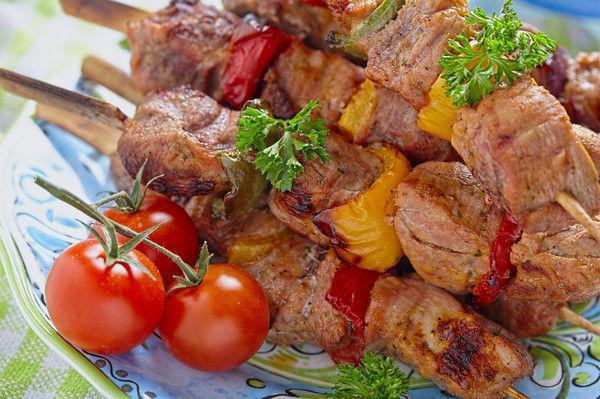Секрет семи маринадов из шашлыка, которые сделают ваше мясо сочным и вкусным: что важно знать