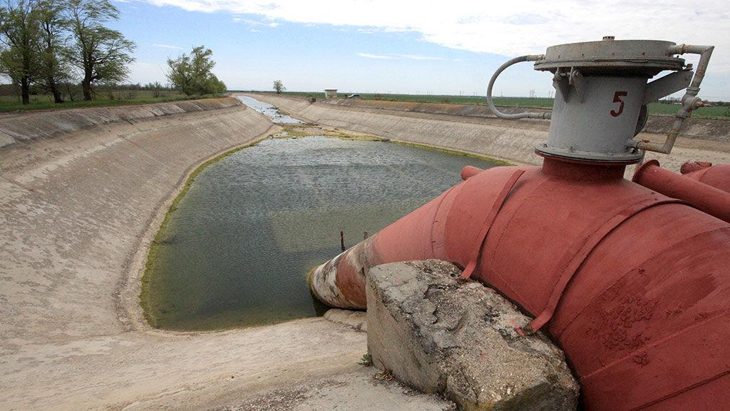 """Шойгу объявил о """"ликвидации водной блокады"""" Крыма: как обстоят дела в реальности"""