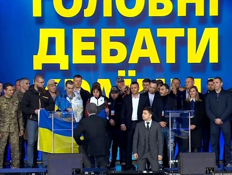 Петр Порошенко, дебаты, стал на колени, Татьяна Рычкова, погибшие, АТО, новости, Украина
