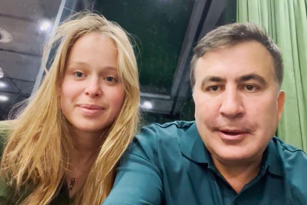 """Саакашвили задержан и отправлен в тюрьму в Грузии, он объявил голодовку, сообщил о романе со """"слугой народа""""Лизой Ясько: - реакция жены и Зеленского 1"""