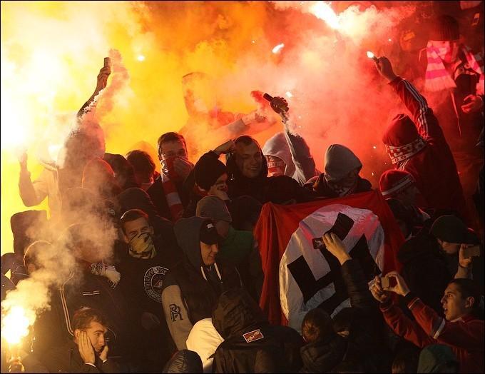 Шабаш фашистов: в Москве полиция разогнала вечеринку в честь дня рождения Гитлера