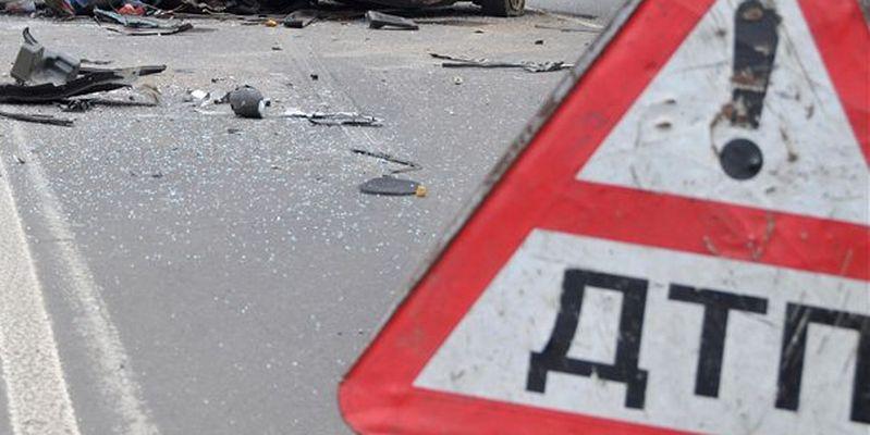Роковое столкновение с КамАзом: в ночном ДТП на трассе Одесса - Киев погибли два человека - кадры аварии