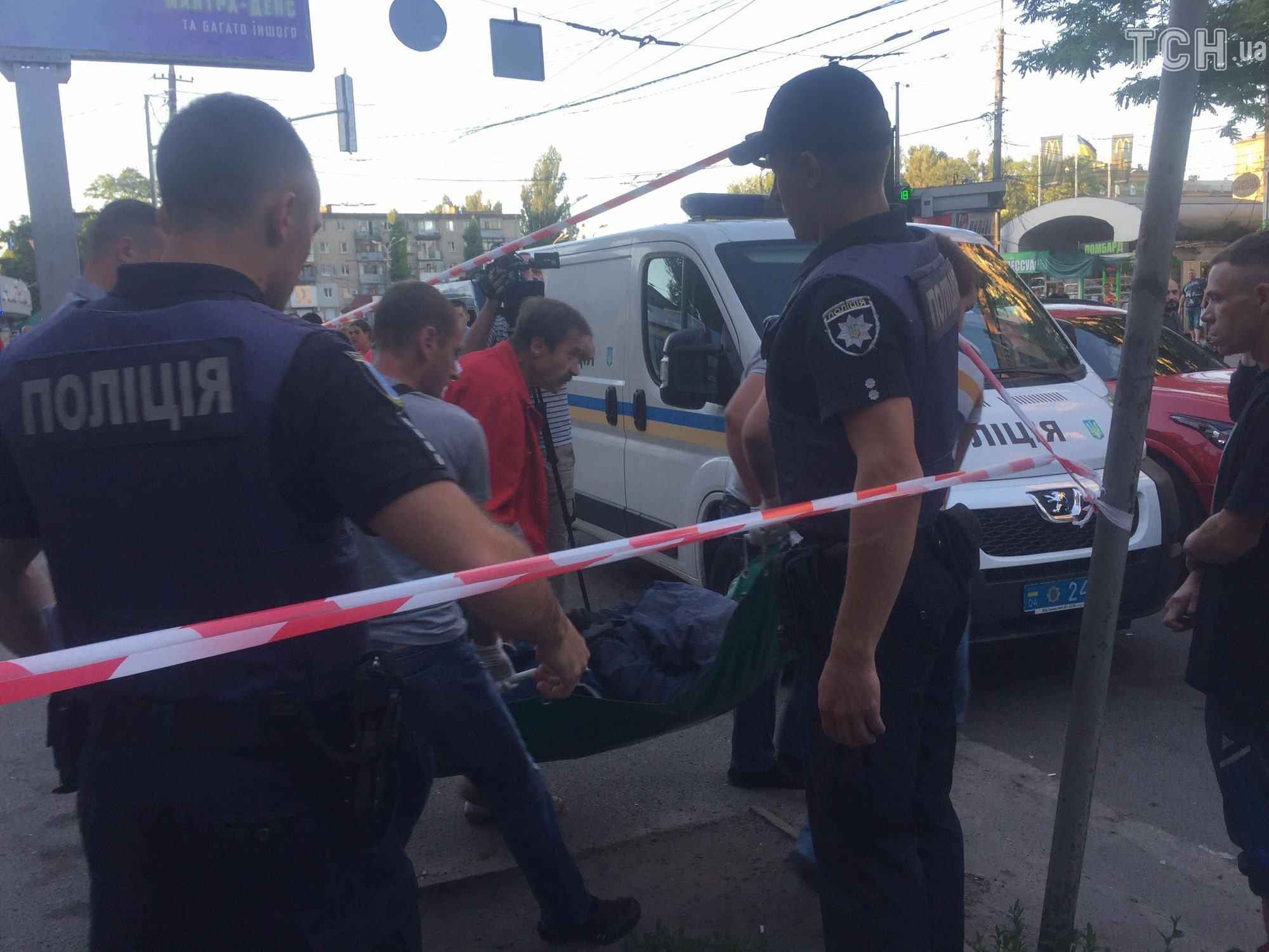 Ограбление обменника в Днепре: парень спасал возлюбленную и подстрелил преступника его же оружием