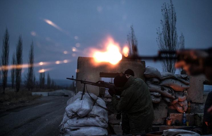 В районе Ясиноватой и Докучаевска боевики сосредотачивают живую силу и технику, - «ИС»
