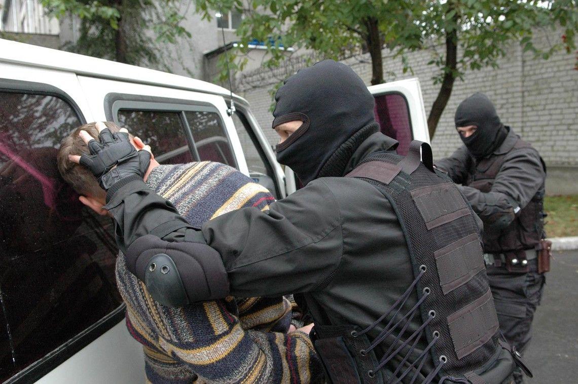 """Наемник """"Л/ДНР"""" в рядах украинской полиции: СБУ провела спецоперацию по задержанию"""