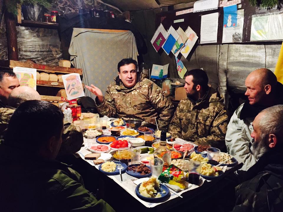 Саакашвили встретил Новый Год вместе с бойцами АТО на Луганщине. Опубликованы фото
