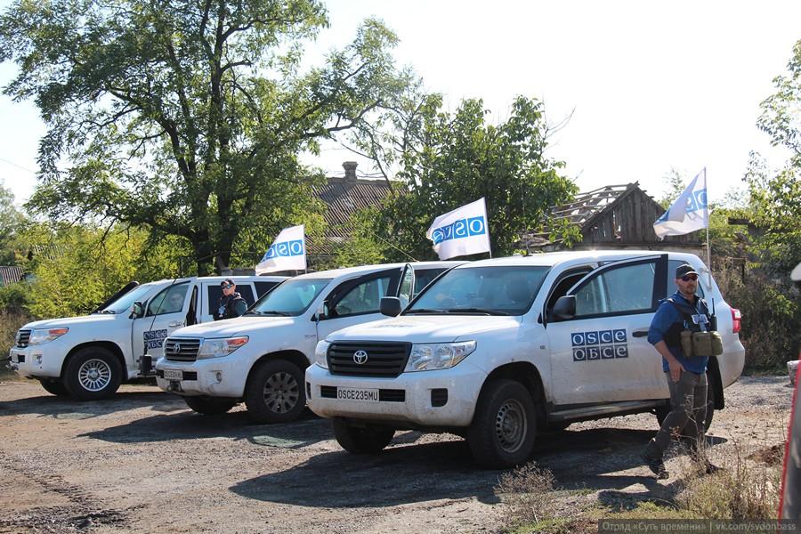 Сотрудники ОБСЕ попали в оккупированный город Дебальцево — террористы под давлением разминировали трассу для наблюдателей