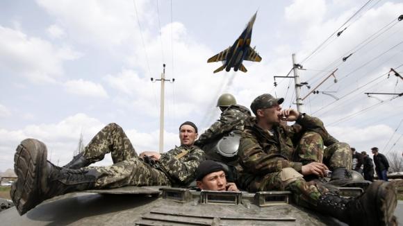 В районе Моспино Донецкой области силы АТО окружили отряды вооруженных формирований ДНР