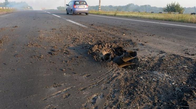 ДНР: Украинские войска нанесли авиаудары по Иловайску и Харцизску