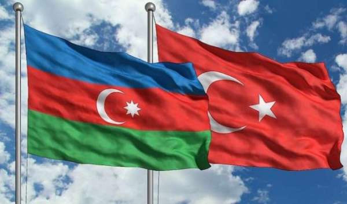 Турция мощно вооружит Азербайджан на фоне конфликта с Арменией: ВС Азербайджана ждет полное обновление