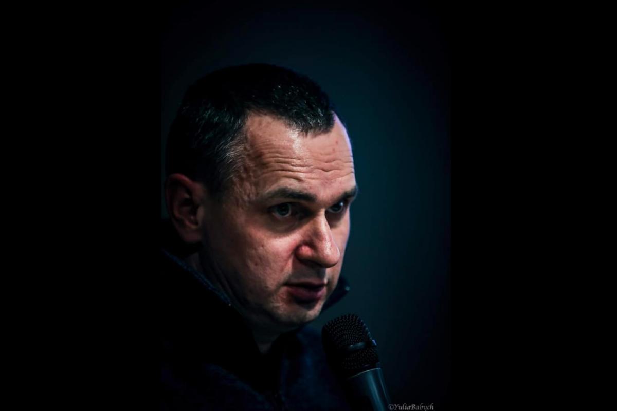 """Сенцов сравнил пресс-конференции Зеленского и Путина: """"Нам предлагают этот перформанс еще на +5 бонусных лет"""""""