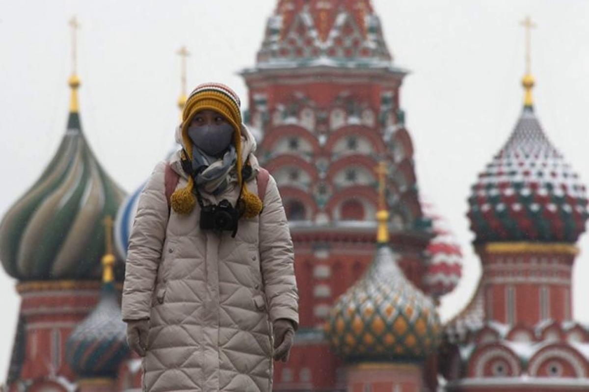 Из Москвы за сутки выехало около миллиона авто, население паникует и готовится к худшему