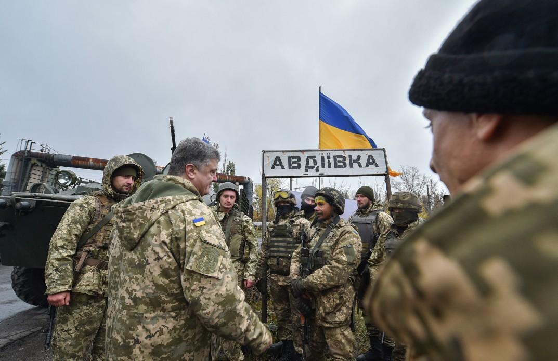 Во время встречи с жителями Авдеевки Президент Украины Петр Порошенко  затронул важнейшую тему о введении миротворческой миссии ООН на Донбасс. 8e5b5a5cb65