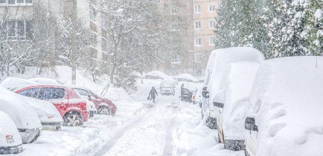 На запад Украины обрушилась непогода: во Львове и на Волыни есть погибшие