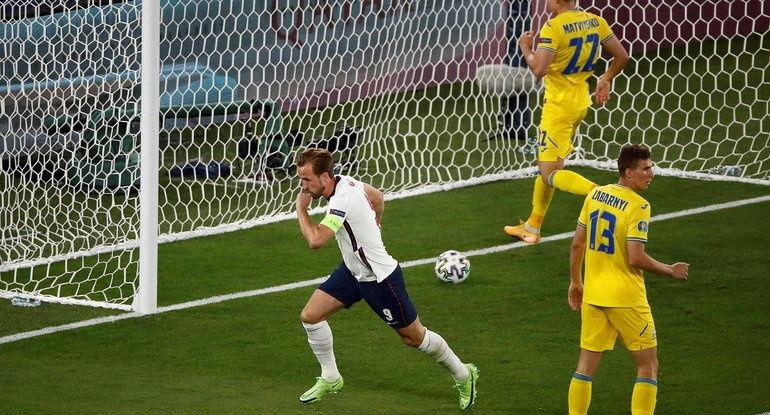 Сборная Украины возвращается домой после матча с Англией: реакция соцсетей
