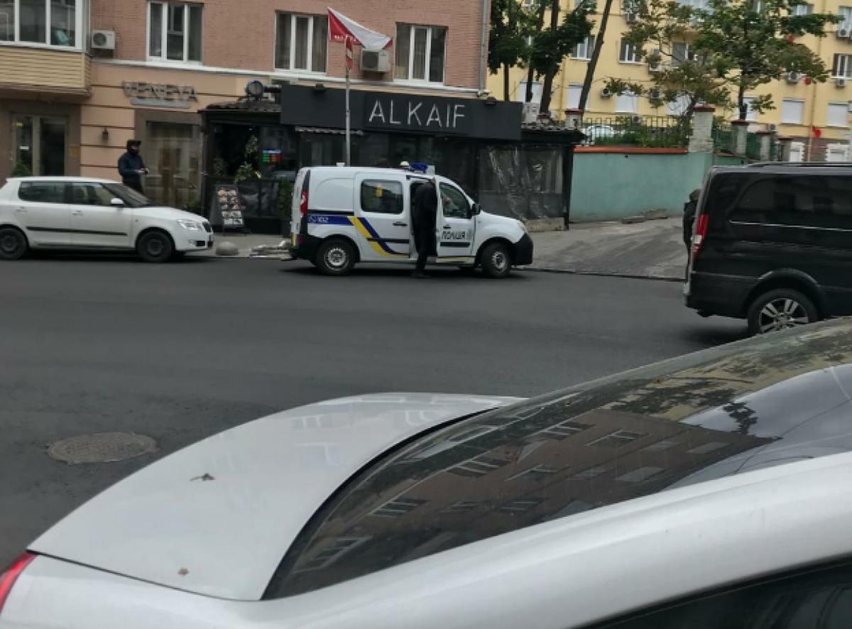 Перед взрывом возле офиса Медведчука в Киеве была драка: новые кадры