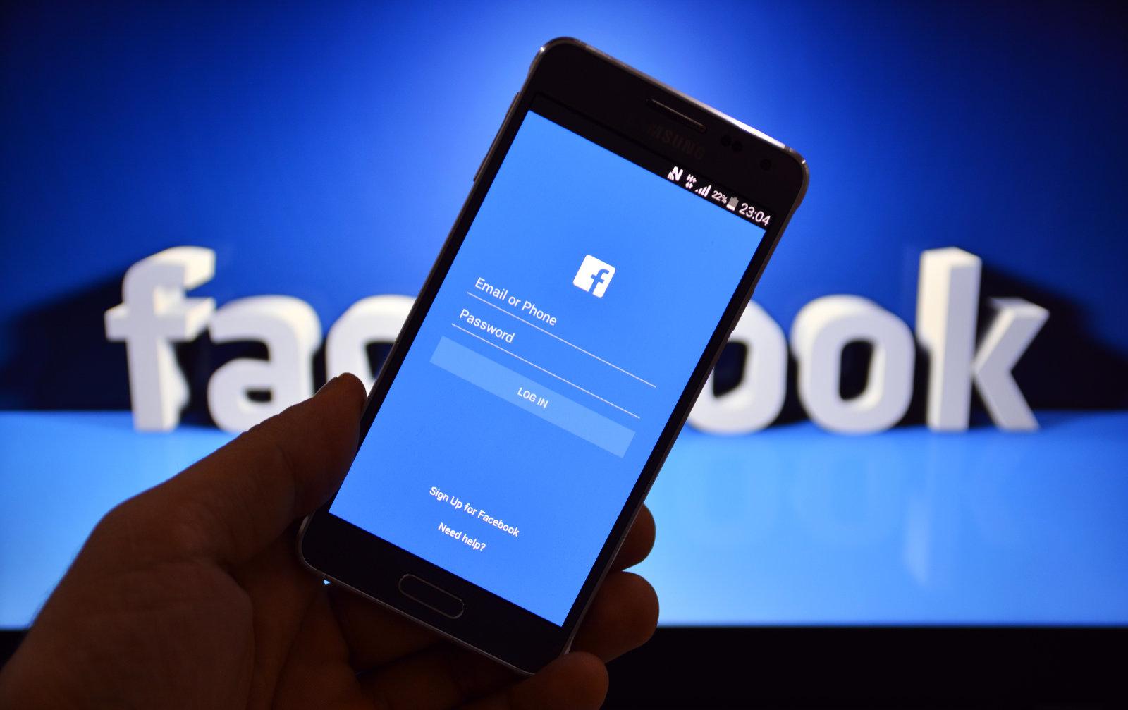 Россия в изоляции: после Telegram в стране могут отключить Facebook