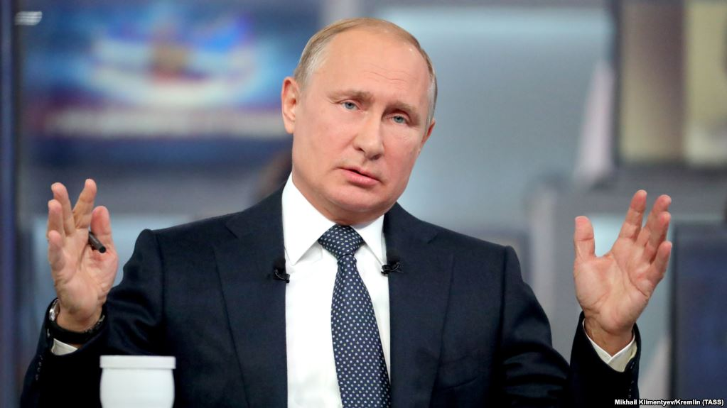 """Россиян повеселил план Путина """"подвинуть"""" Илона Маска: """"Может стоит с электрочайников начать"""""""