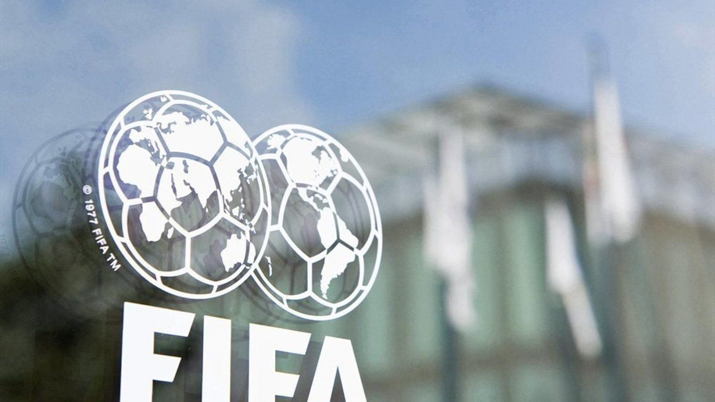 Ауты ногой и чистое время: ФИФА готовит революцию в футболе