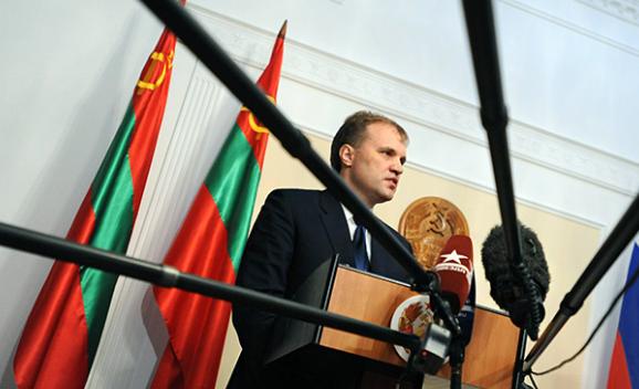 Экс-президент Приднестровья Шевчук бежал от ареста в Молдову