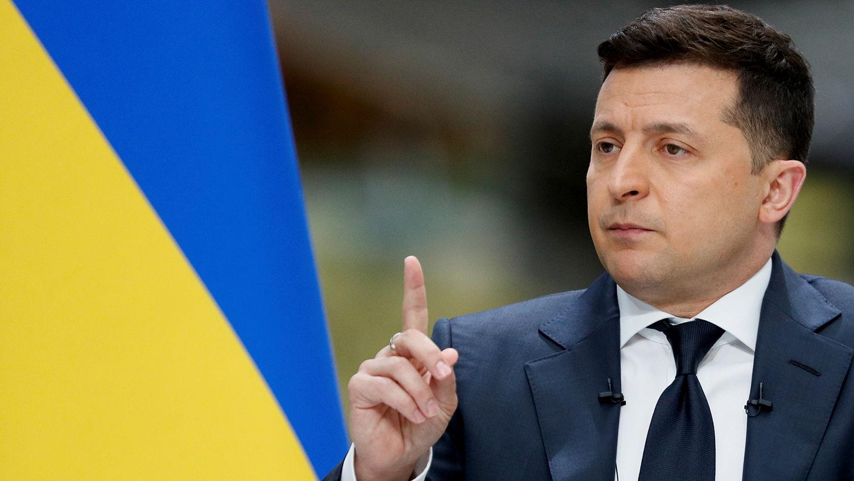 """Зеленский объяснил, кто решит судьбу возможной """"стены"""" на Донбассе"""