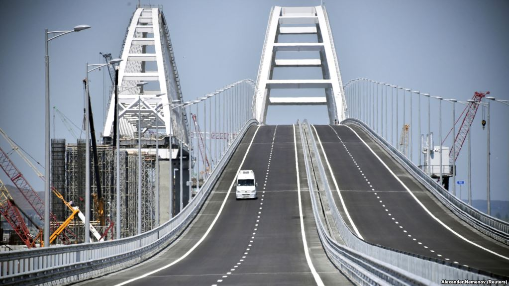 Российские СМИ: Керченский мост проживет не более 2-3 лет, крушение неизбежно – громкие подробности и кадры