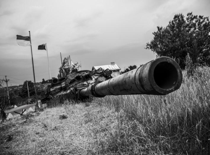 Чтобы люди знали о войне и Донбассе: фотограф показал устроенное Россией пекло на востоке Украины - кадры