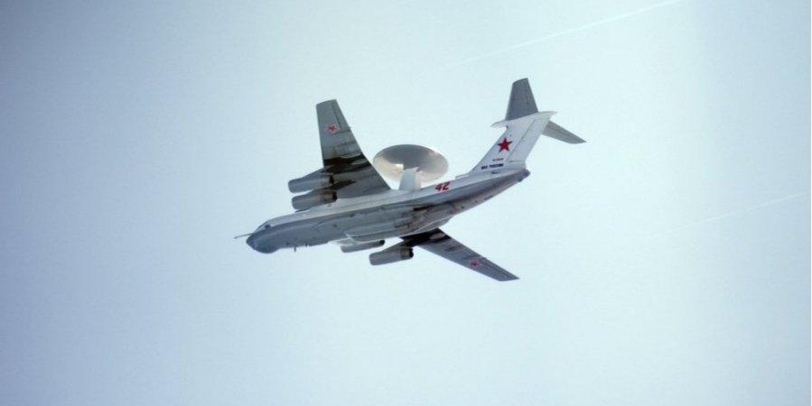 """Россияне в срочном порядке убрали свои два ракетоносца """"Ту-160"""" после того, как три страны подняли свои истребители"""